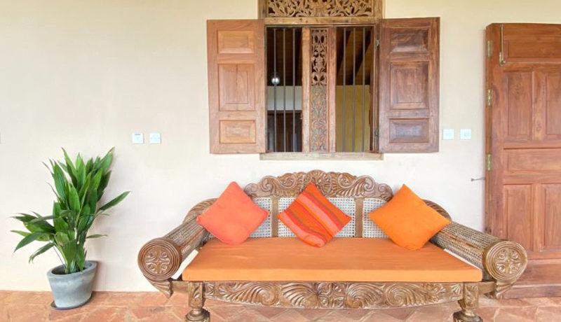 28 Veranda sofa