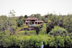 3 Villa and lake