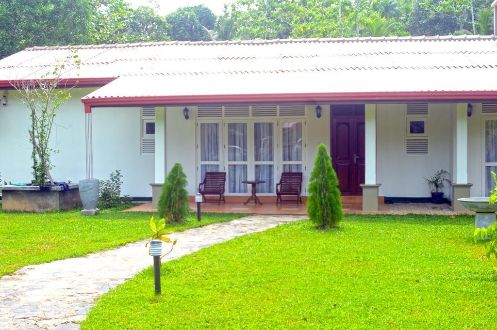 Beautiful Villa with exceptional views over Koggala lake