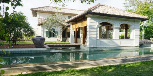 Colonial boutique villa