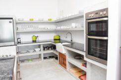Villa-Olu-Kitchen-e1468842908273