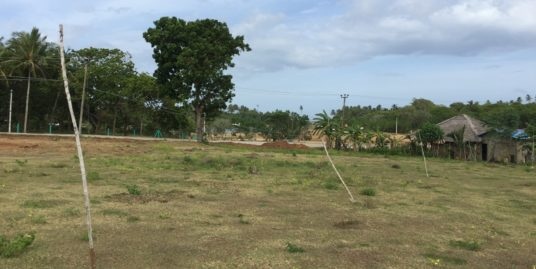 3 acres flat land close to beach Kahandamodara