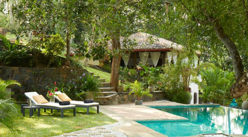 coach-house-pool-satori-villa-gallery