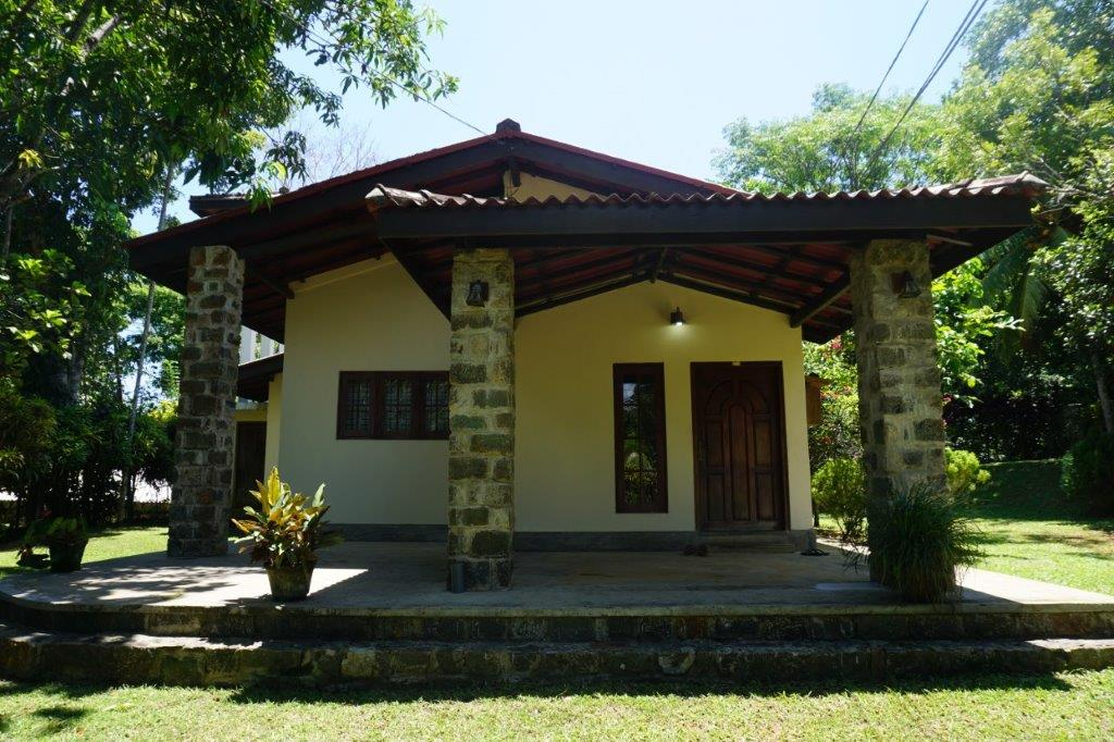 A delightful bungalow close on the shores of Koggala Lake