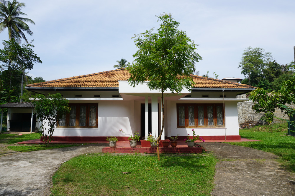 Deco style house in prime location