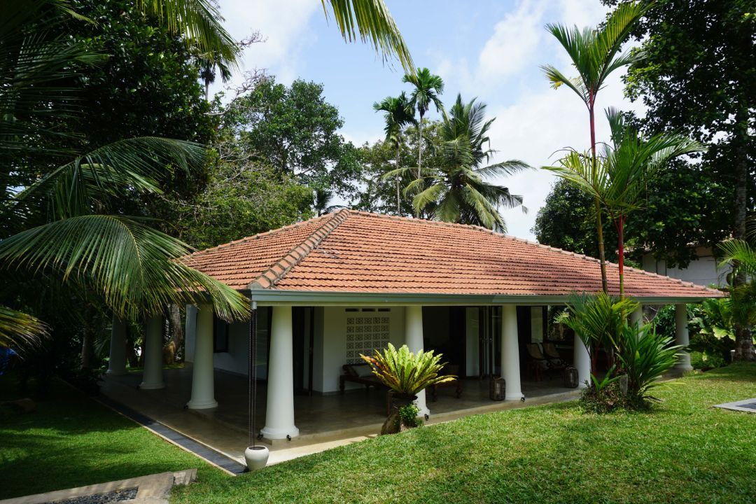 Colonial bungalow in the hills