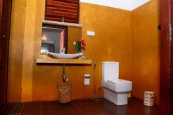 main-bathroom-02