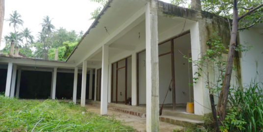Unfinished building with potential – Mirissa