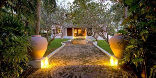 Cliff top luxury villa with uninterrupted sea views