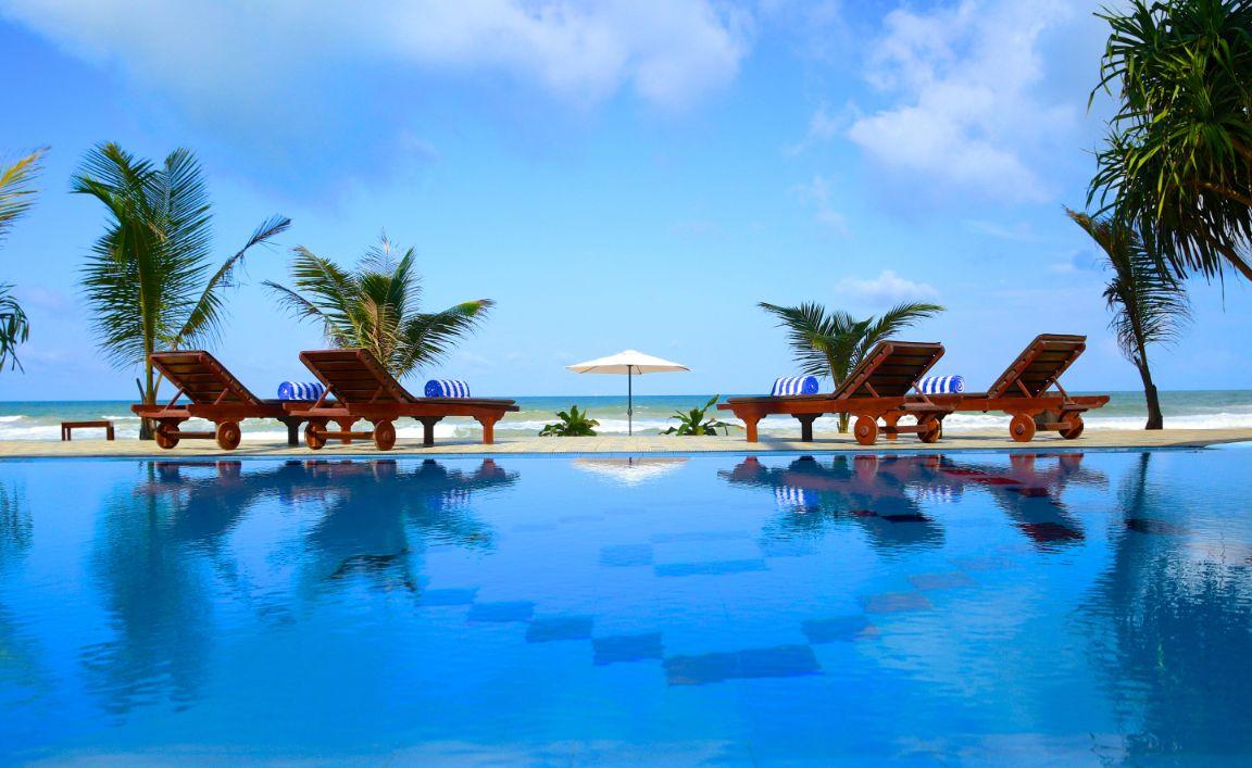Induruwa 15 bedrooms seaside hotel