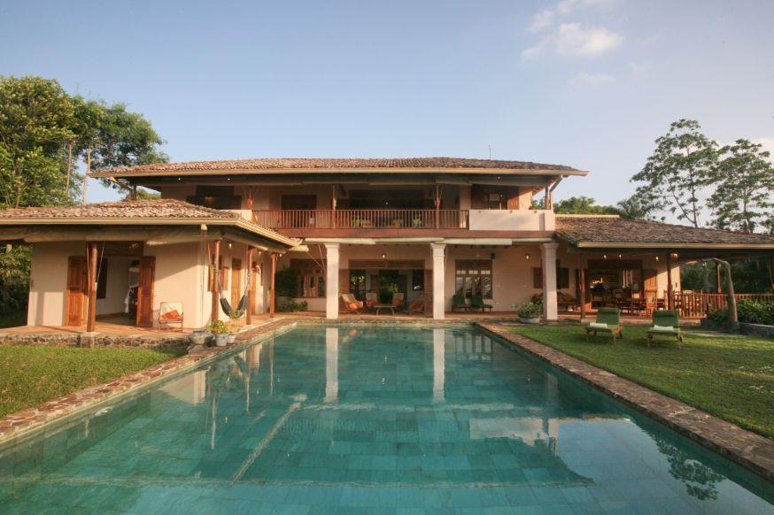 Comfortable 4 bedroom villa for Rent