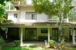 LIP-222 Beautiful villa with bungalow