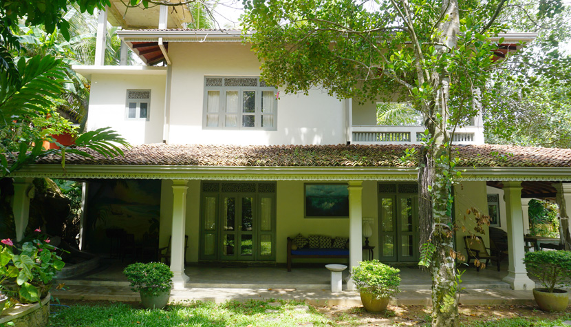 Beautiful villa with bungalow