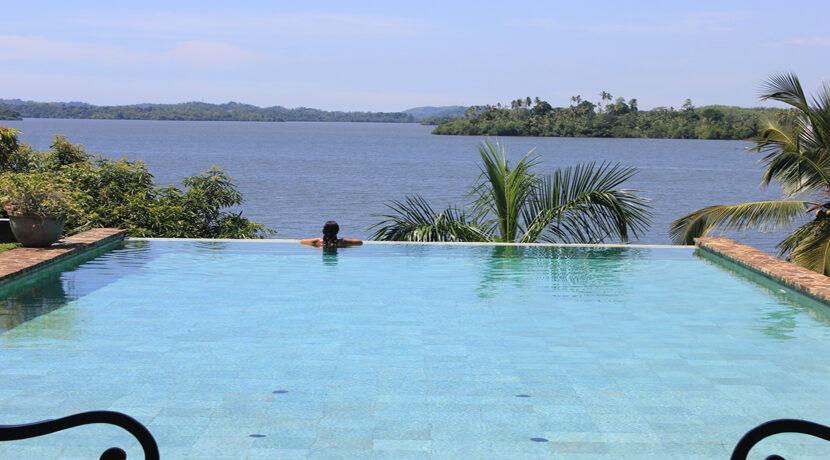 15 pool view 1