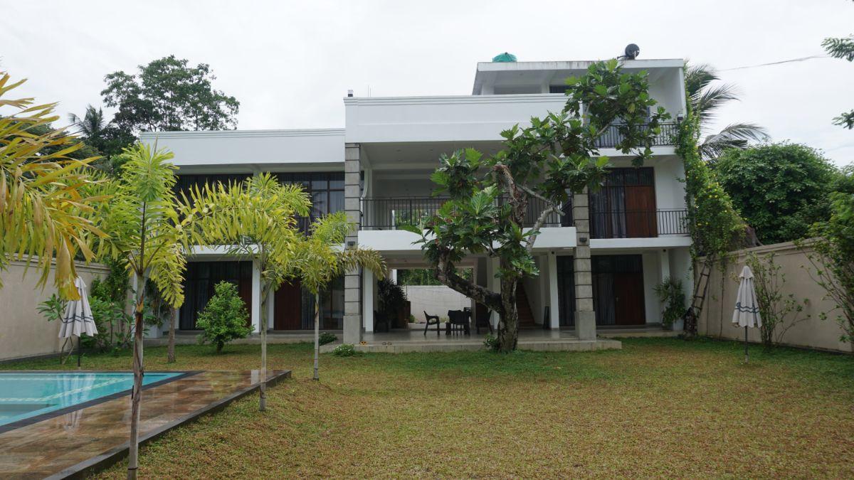 Newly built hotel Ahangama