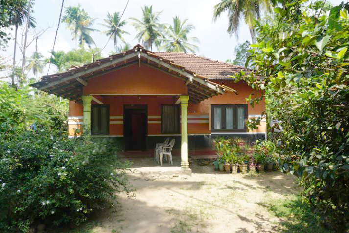 Property close to Midigama surfing beach
