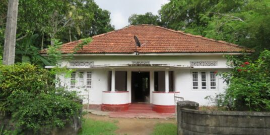 Ahangama Deco house with charm