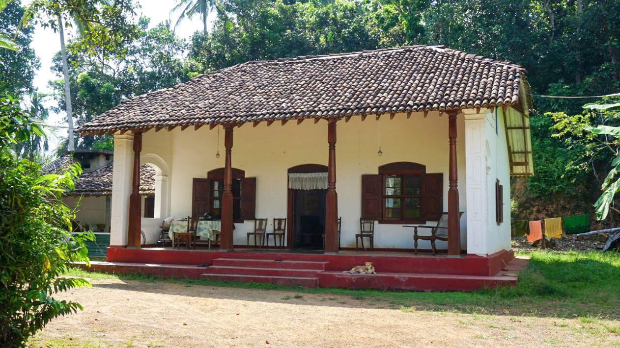 Colonial Period house for restoration in Meepe