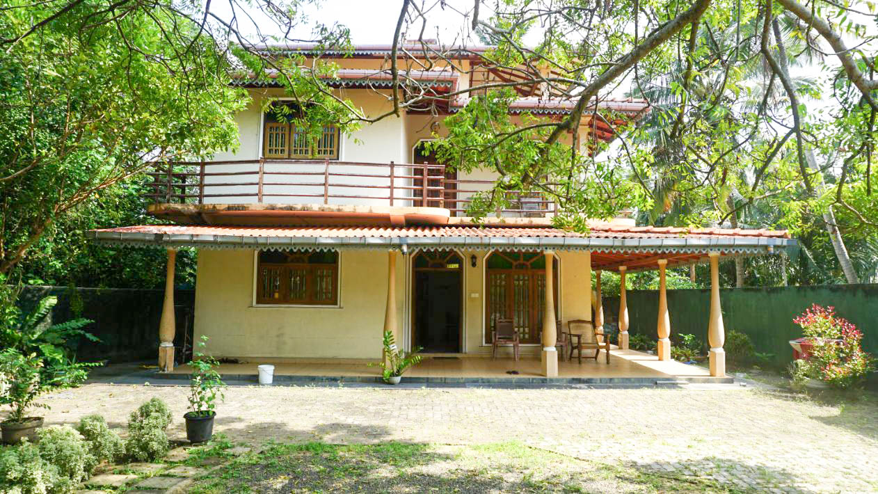 Talpe large house with sea view for sale