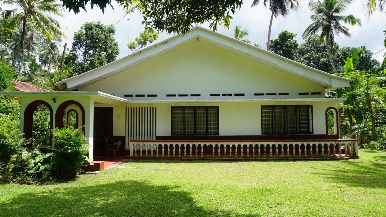 Kathaluwa 4 beds lovely house